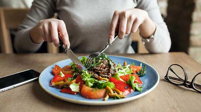 Jaga Asupan Nutrisi dan Pola Makan